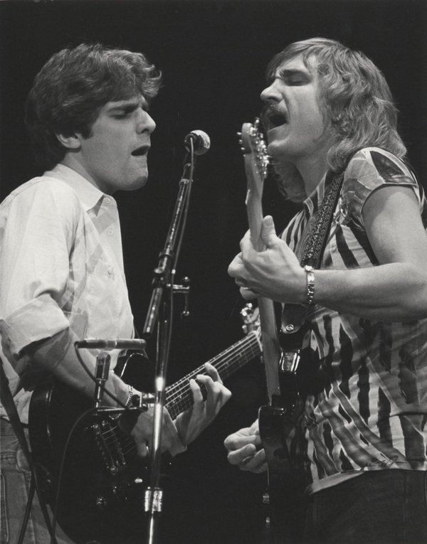 """Glenn Frey and Joe Walsh on stage, 1970s."" ~ @crockpics Plz RT @RockNRollPics @RockHistoryPics @DailyRockPics @MackMeadowsGtr @irvinejulie @tmasonmi5 @ereagle62259 @OliverMeneses7 @DickTri53941618 @Alldoor14 @kaylacaulfield1 @BluezFanTN @MusicMan1730"