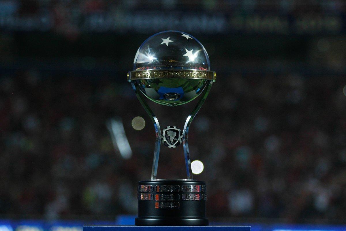 🤩 ¡Se renuevan los desafíos, un nuevo año comienza! Falta cada vez menos para la #Sudamericana 2⃣0⃣2⃣0⃣.   🥂 ¡Felicidades!