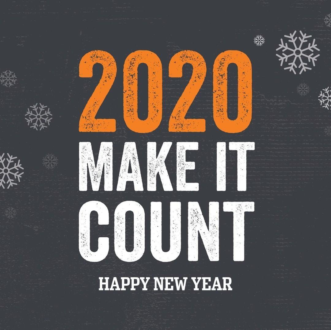 Prepare your new year's resolutions cause 2020 is here... HAPPY NEW YEAR 🎉  إيش توقعاتكم وأهدافكم للسنة الجديدة؟ https://t.co/XASMAg1W51