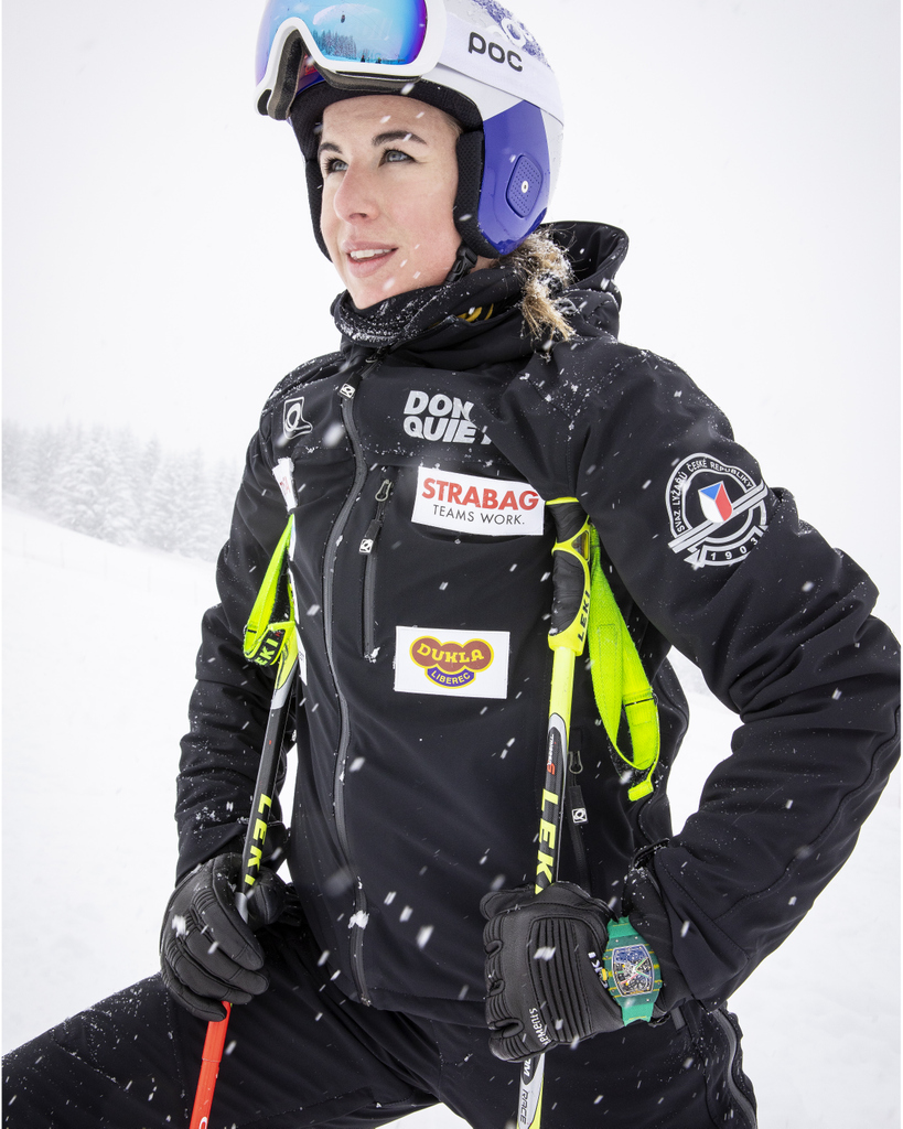 On ski or snowbard, @LedeckaEster is stunning the ski world. After mading history by winning gold medals in both snowboarding and skiing at the same Olympic Games, she recently won the season-opening womens World Cup downhill Friday in Lake Louise?