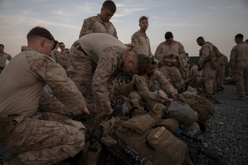 """يتم إختيار عناصرها بعناية.. ما هي وحدة """"الاستجابة للأزمات"""" SPMAGTF-CR-CC المُرسلة إلى بغداد؟ ENIx6SLXYAA2J17"""