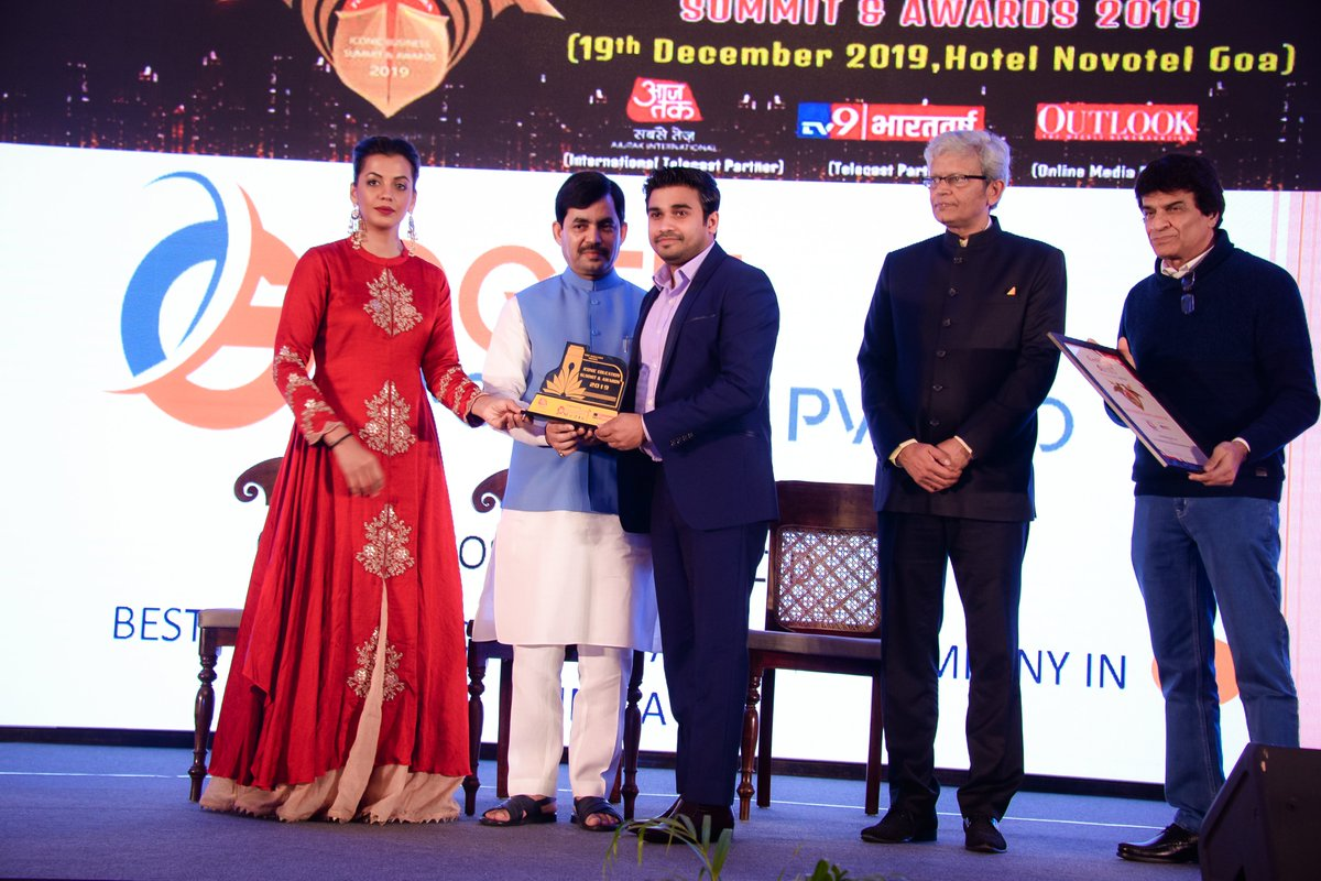 """Proud to Announce that OGEN Infosystem is Awarded as Best Emerging """"Digital Marketing Company in India"""" Thanks Everyone https://t.co/1Ca5Sfvag1"""