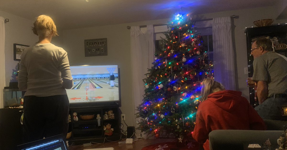 We have progressed to a multigenerational bowling tournament.  #Wii #ThePartyNeverStops pic.twitter.com/974QeapA8U