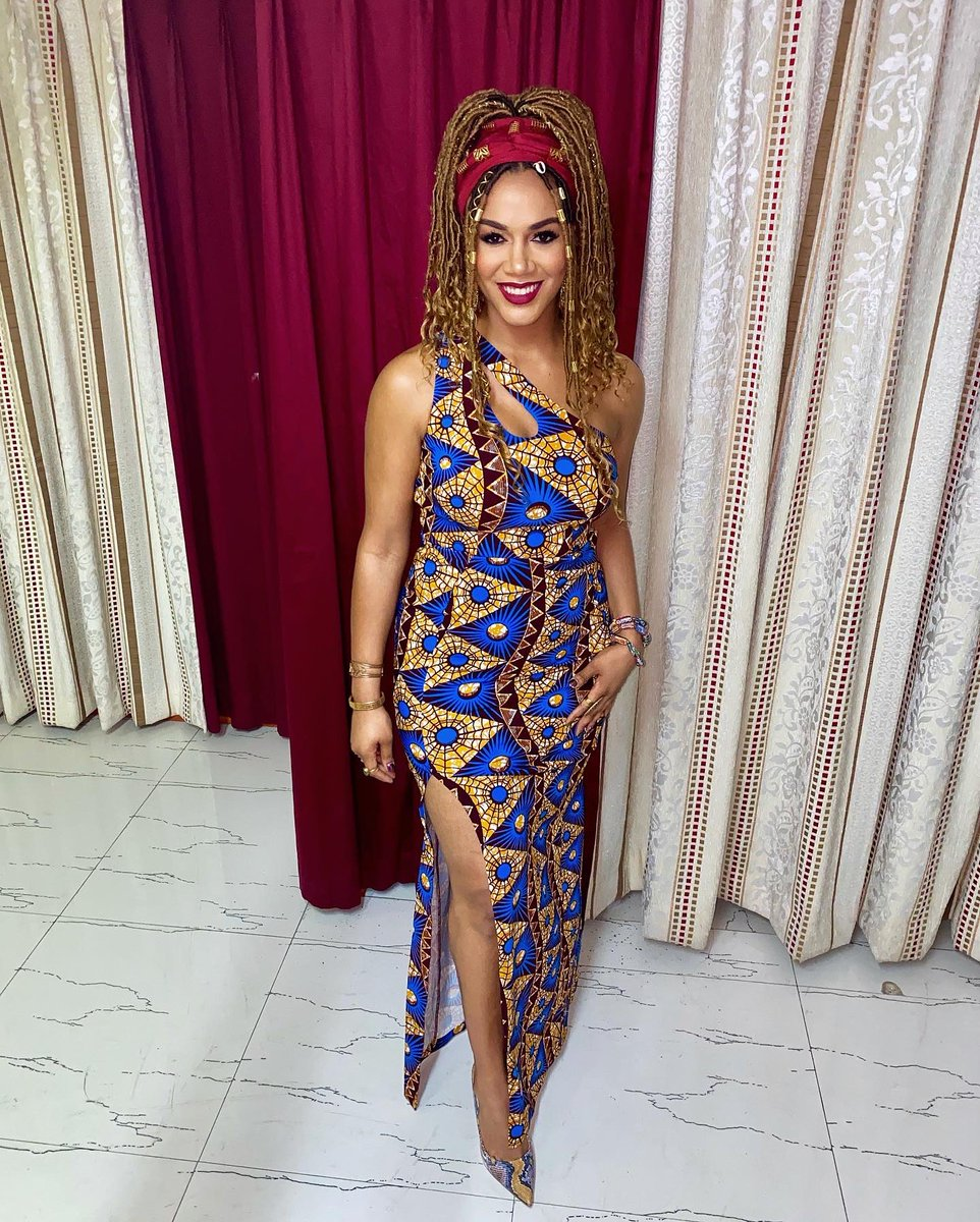 """Ros Gold-Onwude on Twitter: """"Hello 2020! ???????????? Happy New Year from Accra,  Ghana! ????????❤️????????❤️???????? #YearOfReturn… """""""