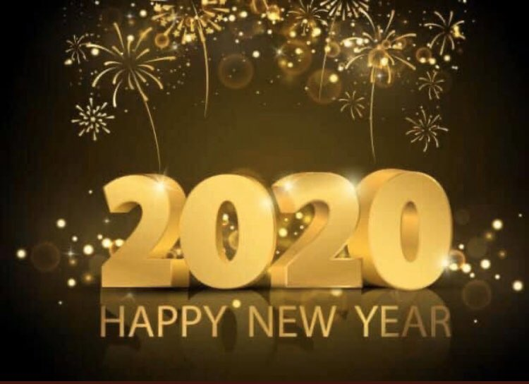 Happy #2020NewYear. 365 more blessed days. This year brings clarity of vision. Dream bigger! Things are unstuck for us. Be mindful & choose to #LightUpTheLOVE in all moments. #LUTL Actionists R powerful! @lightupthelove Global Movement 💡🆙❤️ TY friends @gary_hensel @BethFratesMD