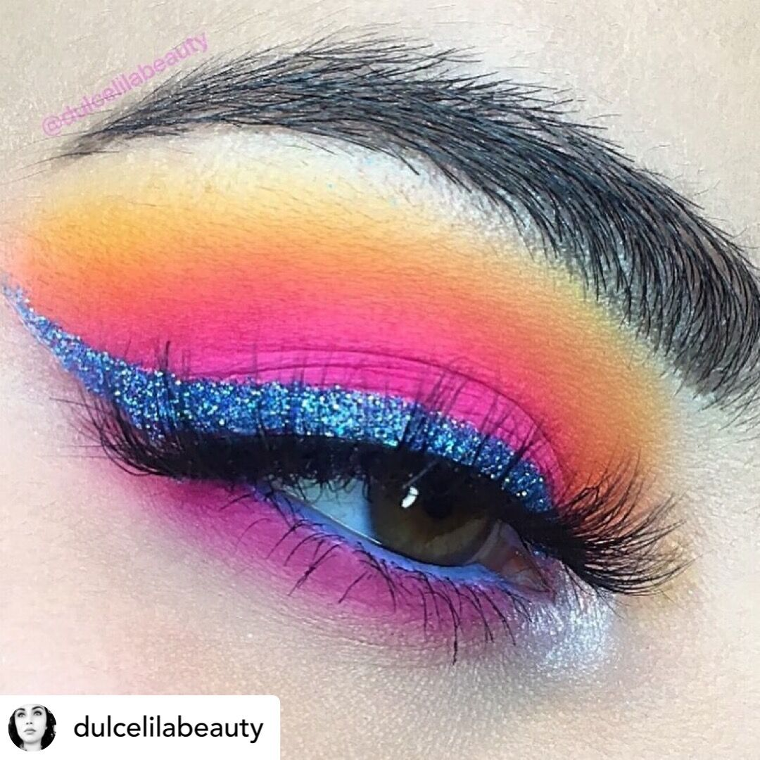 Some New Year's Eve eye inspiration for you by @dulcelilabeauty. Using Cosmetic Grade Blue Paradise to get that magic sparkle ✨ #newyears #newyearseve #newyearsmakeup #newyearseveparty #glitterlove #glittereyes #glitties #glitter #glittermix #cosmeticglitter #wholesaleglitter