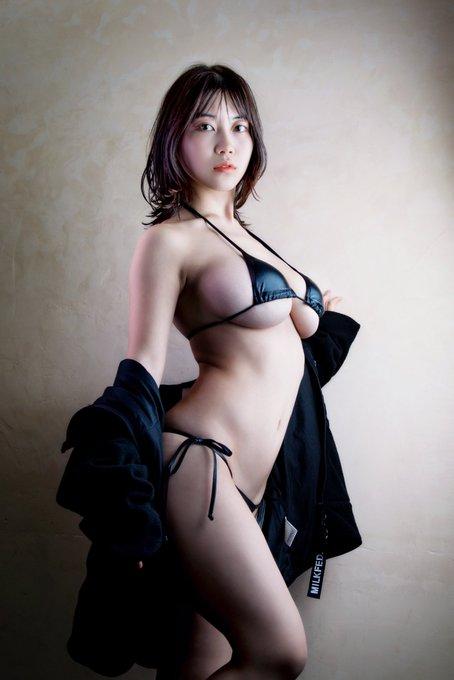 グラビアアイドル伊織いおのTwitter自撮りエロ画像2