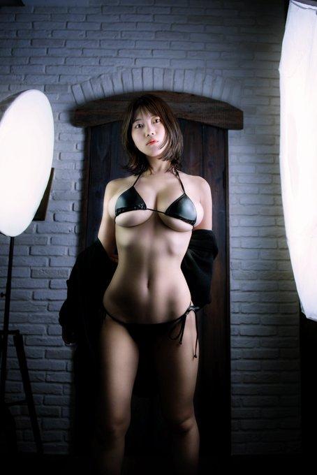 グラビアアイドル伊織いおのTwitter自撮りエロ画像1