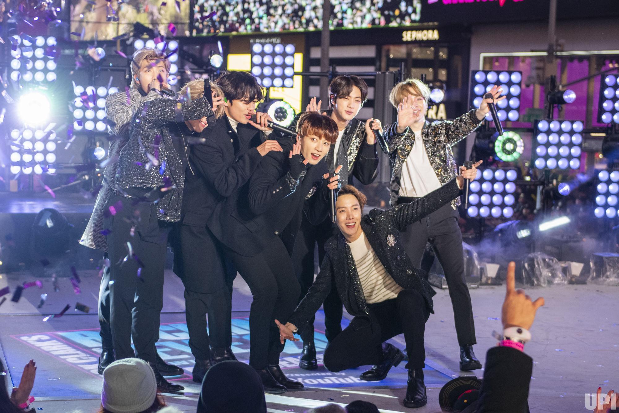 Penampilan BTS di New Year's Rockin' Eve 2020 Mendapatkan Rating Tertinggi