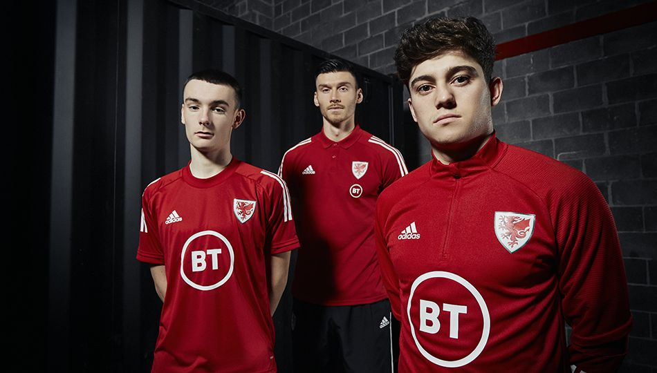New Year, new kit 🔥 😍 Get your new @Cymru training kit by heading to @JDFootball now Shop here 👉 bit.ly/ShopTrainingWe…