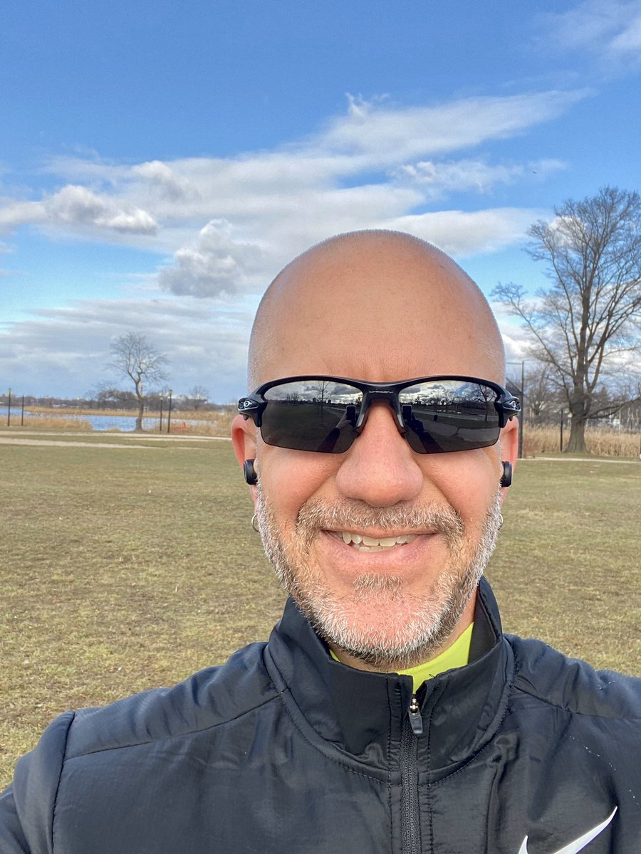 First run of 2020 followed by a few sets of step-ups and box jumps. Starting off with a positive mindset, a run streak goal and looking to have a strong finish this year... #runeveryday #nuunlife #nuunbassador2019 @nuunhydration @honeystinger @garmin @garminfitness<br>http://pic.twitter.com/nrMmeawESh