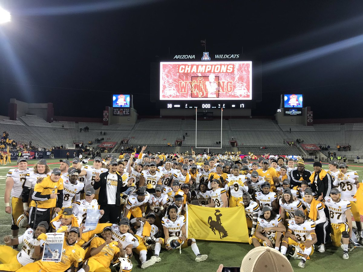 Great way to end the 2019 season, @novaAZBOWL Champs! Love these dudes! Thank you seniors for setting the standard and paving the way. 2020 season starts now and we're BACK TO WORK <br>http://pic.twitter.com/wi7ZU0XOpi