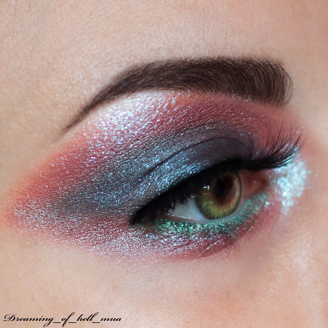 "• 1st January 2020 • . Eyes: _ @MesaudaCosmetic - Glam Eyes _ @NeveCosmetics - Mineral Eyeshadow ""Camaleonte"" _ @MulacCosmetics - Disturbia Strobe  _ @MesaudaCosmetic - Highlight ""Polijuice"" _ @ttdeye_colors - Real Khaki - Code ""Dreaming"" 10%pic.twitter.com/e7YVoETnRo"