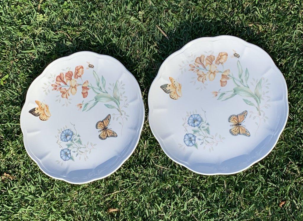 #lenox #butterflymeadow #monarch #dinnerplates #plate https://rover.ebay.com/rover/0/0/0?mpre=https%3A%2F%2Fwww.ebay.com%2Fulk%2Fitm%2F283729263776…pic.twitter.com/k8QRKkI74O