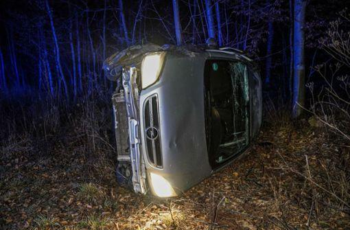 Baltmannsweiler/Oberesslingen: Schwerer Unfall auf Glatteis http://bit.ly/2QinTnZpic.twitter.com/bqTIpplung