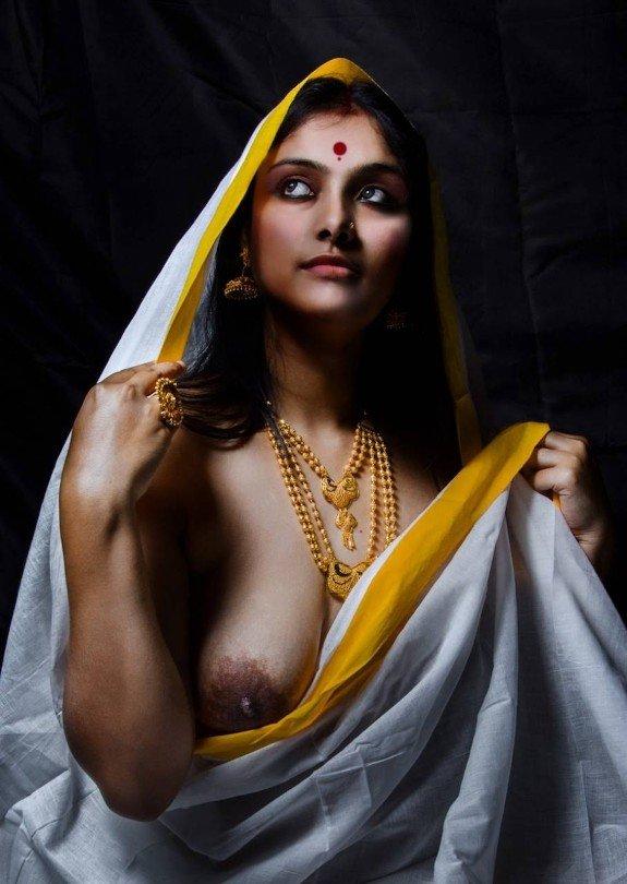 Beautiful bengali girl s nude shower photo leaked by boyfriend
