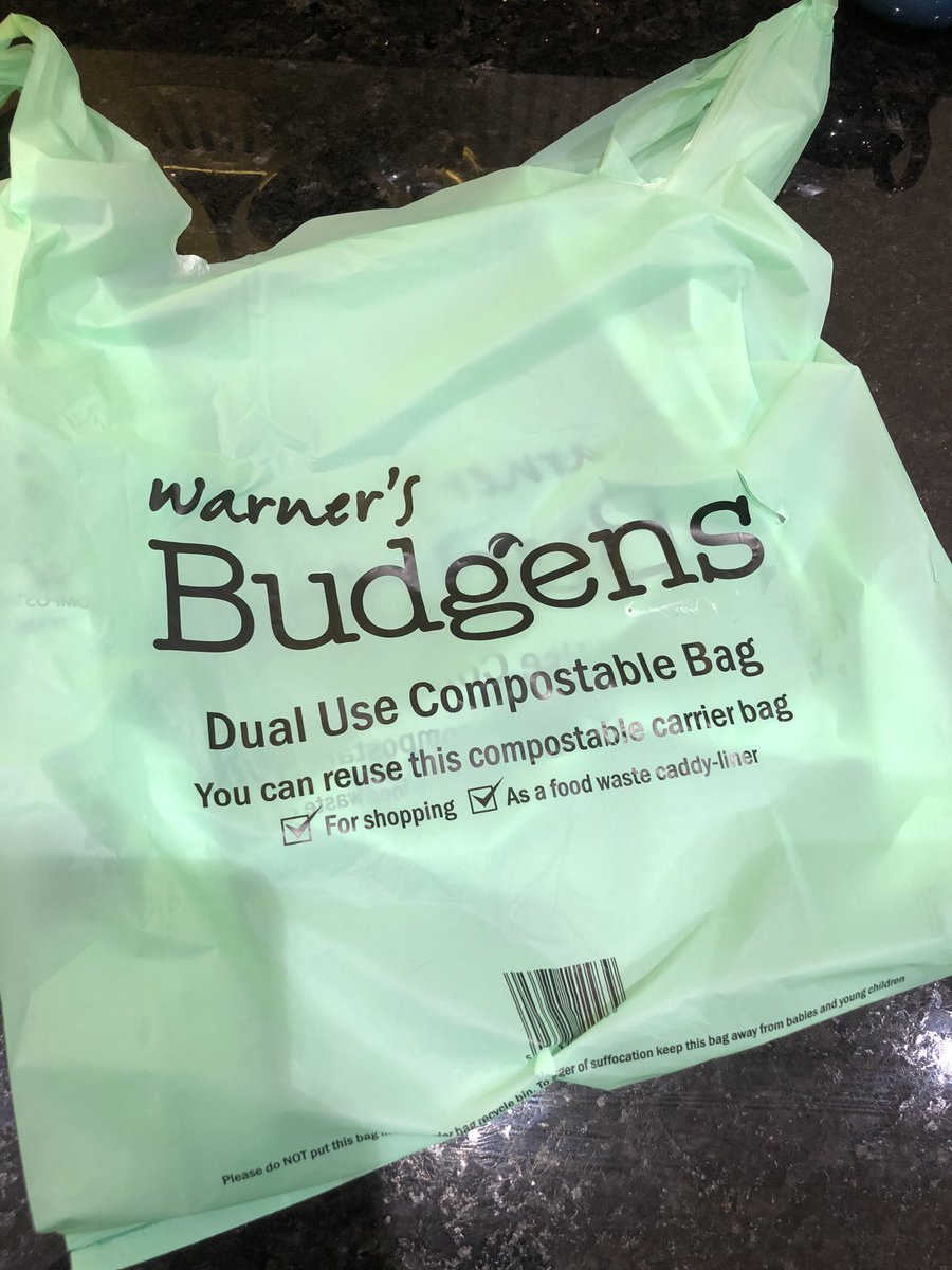Great to see @warnersbudgens selling compostable bags instead of plastic ones  #PlasticFreeOceans pic.twitter.com/b8D8JkN0lf