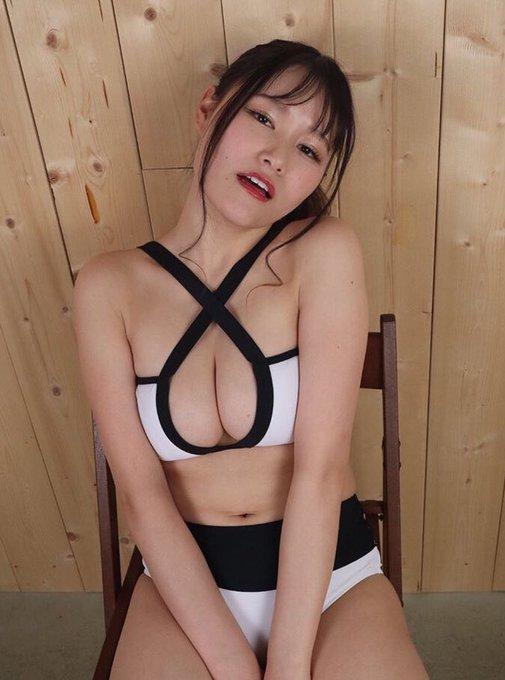 グラビアアイドル東坂みゆのTwitter自撮りエロ画像10