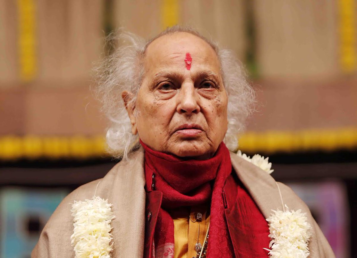 Pandit Jasraj felicitated at Saptak festival in Gujarat