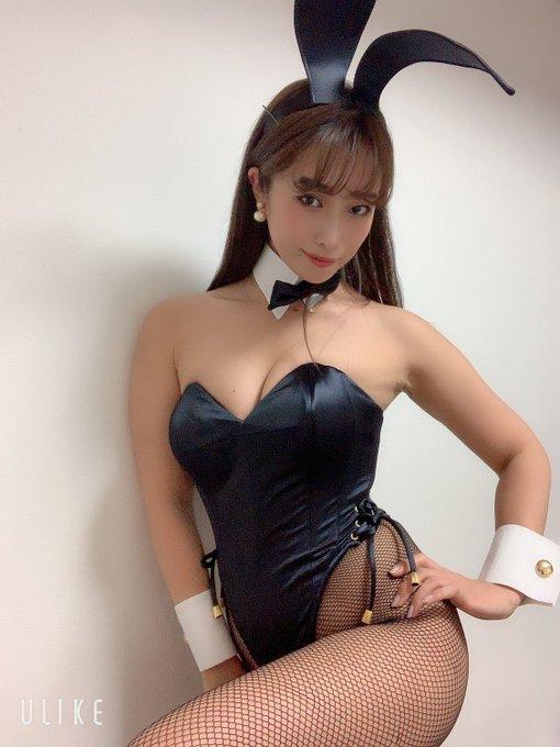 バニーガールの渋谷さんのTwitter自撮りエロ画像23