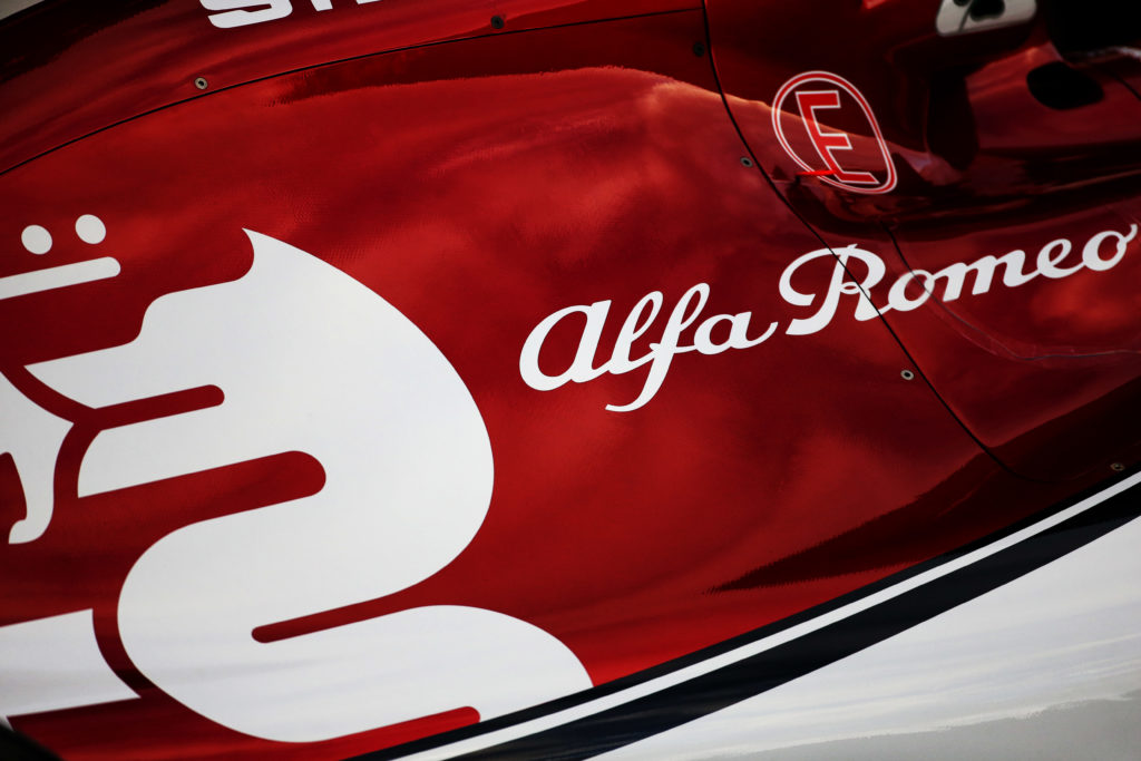 It is a pleasure to work with a team like @alfaromeoracing. Thank you all for your support!  Soon, more news... https://t.co/kbH3Gl8468