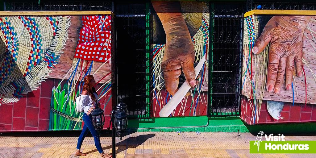 A full-color story in the most beautiful corners of Honduras.🇭🇳🧡🎨 #VisitHonduras #Paradise #PueblosconEncanto