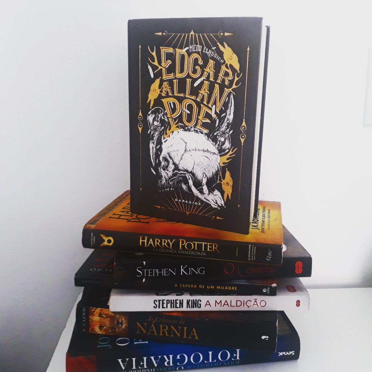 Vamos começar o ano com muita leitura! . *Minha meta: Ler mais! . Qual livro você pretende ler esse ano? . #book #bookstagram #livrosdeterror #livrossuspense #livrosmotivacionais #livrosromance #instagoth #livros #books #edgarallanpoe #harrypotterpic.twitter.com/sF2Cz87osY