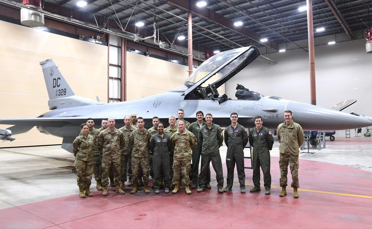 DC Air National Guard F-16 pilots ...