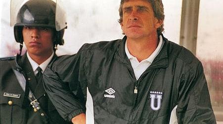 """Ecuagol on Twitter: """"#TBTEcuagol de hoy: Cuando Manuel #Pellegrini era el  DT de Liga de Quito  . El chileno ..."""
