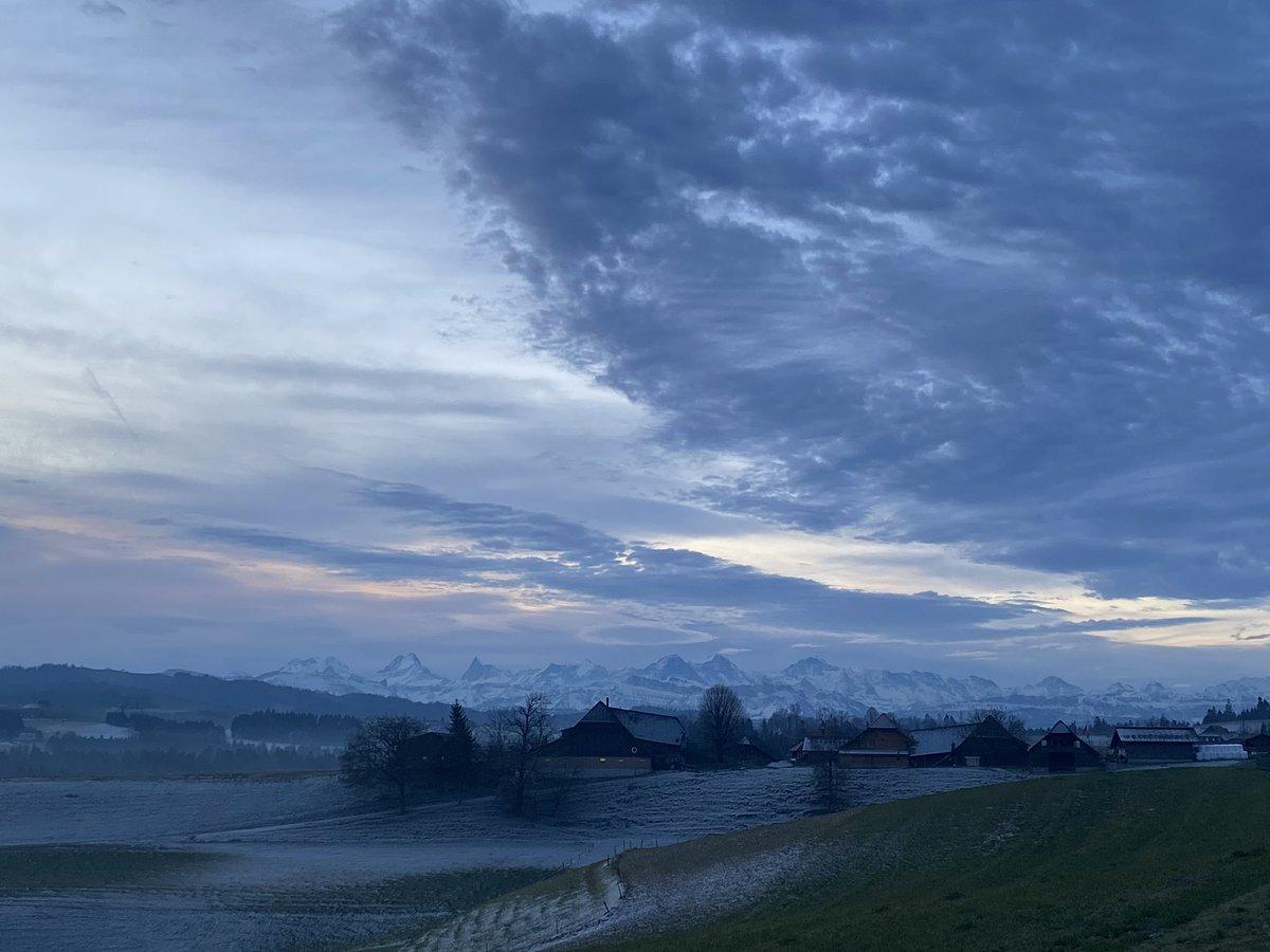 Guten Morgen Emmental #emmental #onmywaytowork #1picaday #3of366pic.twitter.com/BT6rcfSEe9