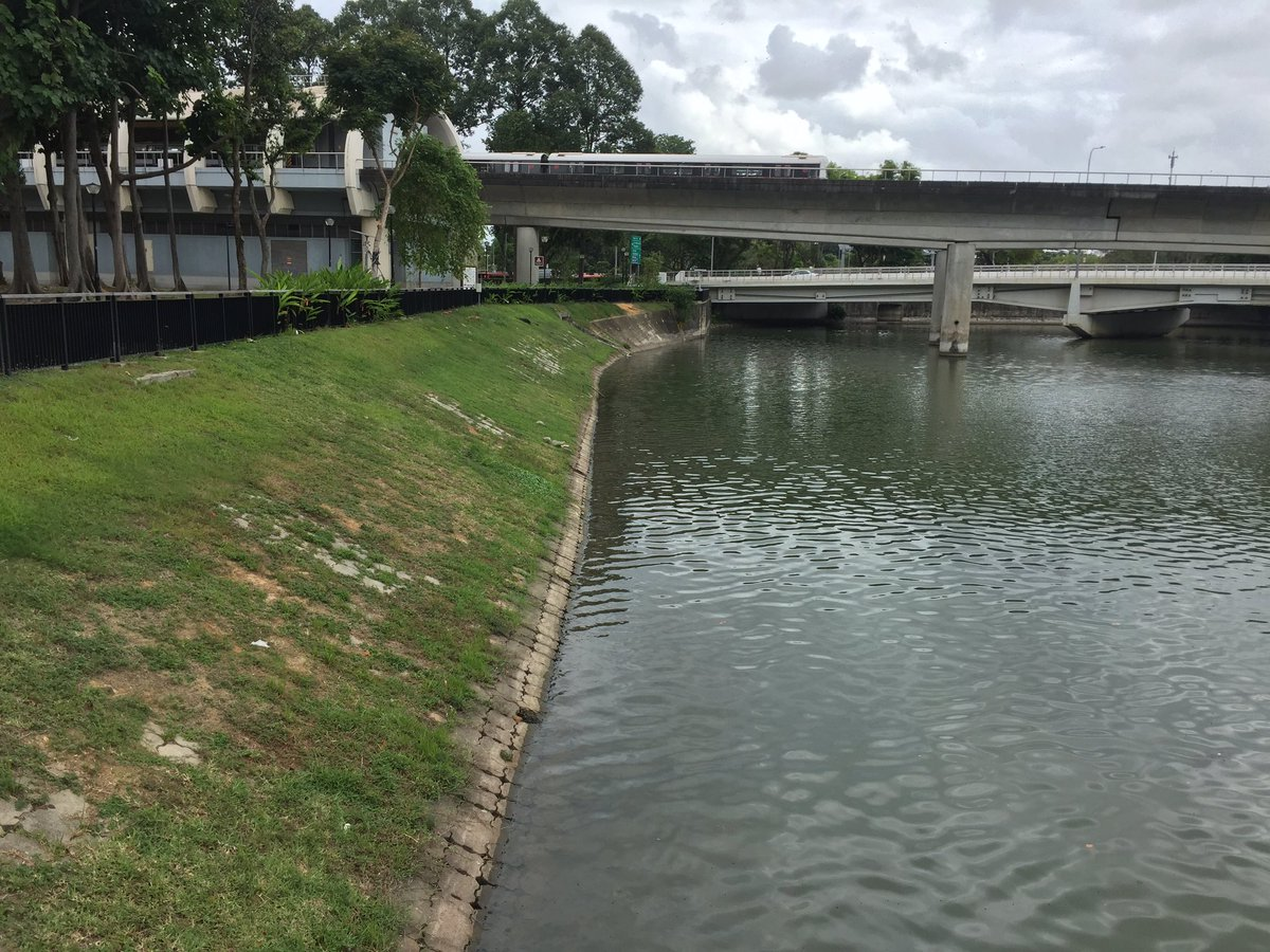 """Joel Picard on Twitter: """"nih sungai di singapore (kallang river). di naturalisasi tapi juga normalisasi.… """""""