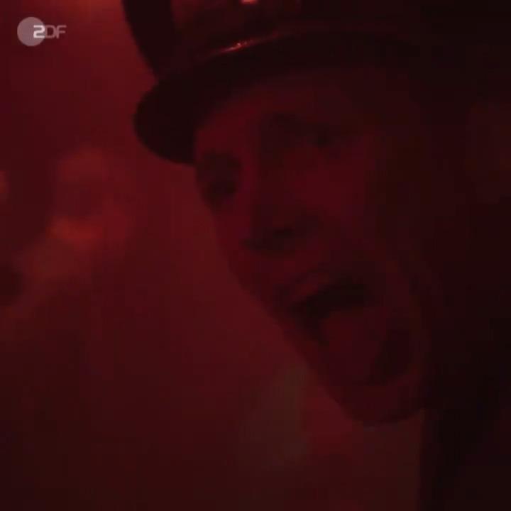 Alarm!🚨 Ab in die #ZDFmediathek und #DasBoot schauen. 🌊 ⏩ https://www.zdf.de/serien/das-boot/das-boot-folge-1-122.html#xtor=CS5-4…
