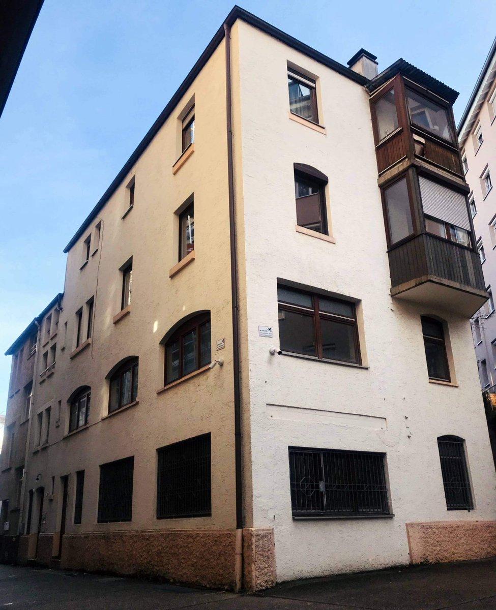 Twitter Media - Wir haben eine neue Immobilie in zentraler Lage in der Stuttgarter Innenstadt erworben. Die Immobilie in der Neckarstraße besitzt zwei Gewerbeeinheiten und drei Wohnungen auf insgesamt 527 m² sowie 4 Außenstellplätze im Innenhof. https://t.co/DUAHHkSEcM