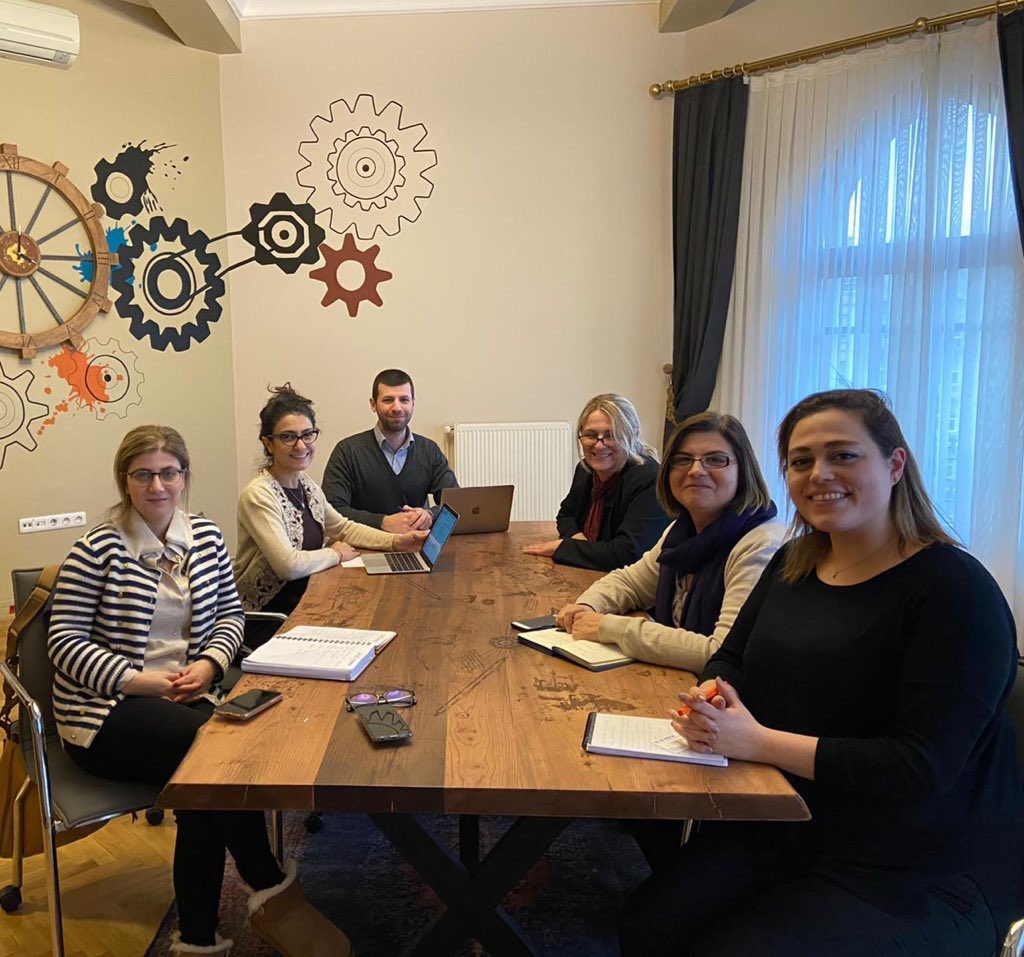 Within the scope of @TABIP_EN, conducted by @yeeorgtr, under the auspices of @tcbestepe, we held a meeting with the @UNHCRTurkey on cooperation in academic, scientific projects and programs.  @serefatess #StayEmpoweredWithTABIP pic.twitter.com/DW7ezWi0zM