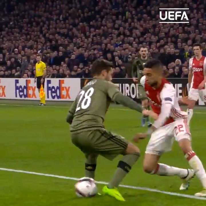 ✍️ TRANSFER: Ajax midfielder Hakim Ziyech will join Chelsea in the summer   Good move?  #UEL https://t.co/mXOT8PfSDu