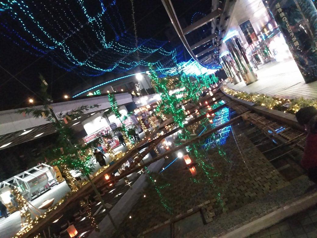 test ツイッターメディア - 東京ドームちょっと寄り道したぜ  空っぽのジャンショと、イルミ綺麗なあそこ(名前知らん) クリスマスとかだともう少し奥行ったとこもっと綺麗なんだけどね https://t.co/nbZBhlQMmY