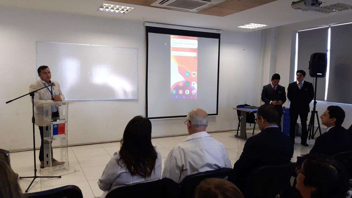 Comenzando ceremonia de lanzamiento App Servicio de Salud Biobío desarrollada por estudiantes de Ingeniería Civil Informática @faceubb sede Chillán a través de #AprendizajeServicio @ubbchile @Deptogestion @BenitoUmana @76cams https://t.co/DbNbktCPwj