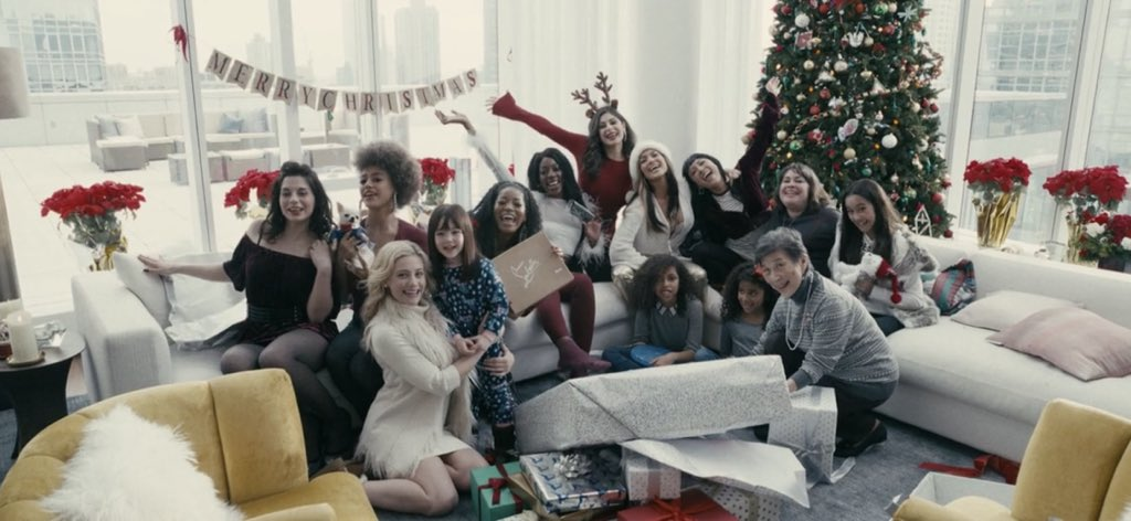 """Ho! Ho! Holiday Viewing! در توییتر """"Finally got a chance to watch HUSTLERS  and, while it's definitely a stealth Christmas movie given the pivotal role  the holiday scenes play, I don't think"""