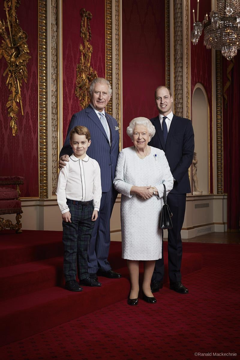 📸 To mark the start of a new decade, a portrait has been released of Her Majesty The Queen and Their Royal Highnesses The Prince of Wales, The Duke of Cambridge and Prince George.  The portrait was taken by Ranald Mackechnie in the Throne Room at Buckingham Palace. https://t.co/ER5nqBMpz0