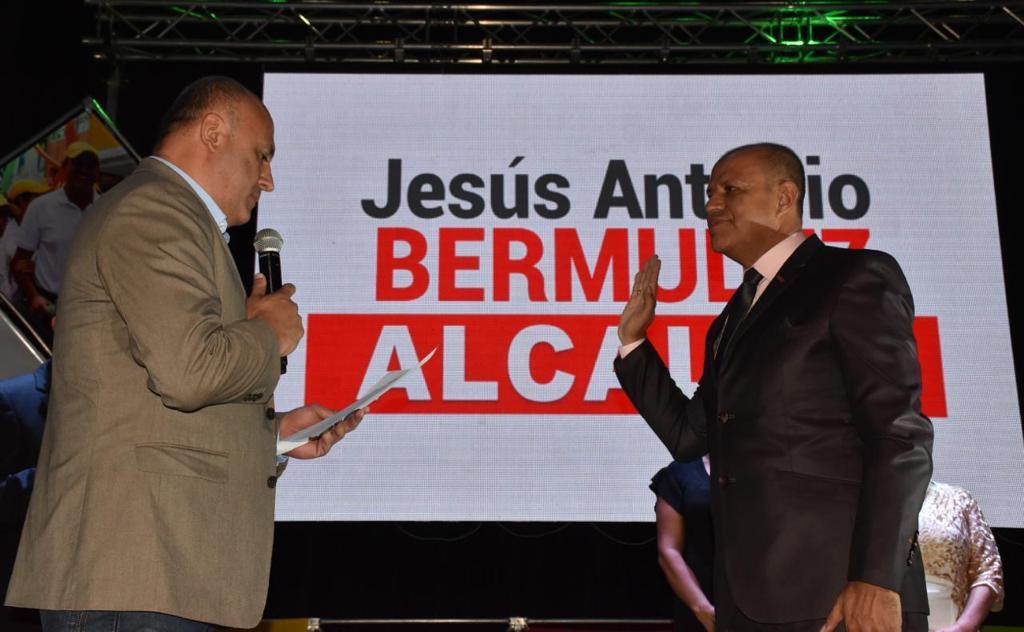 Resultado de imagen para Alcalde de Belén de Umbría, Jesús Antonio Bermudez