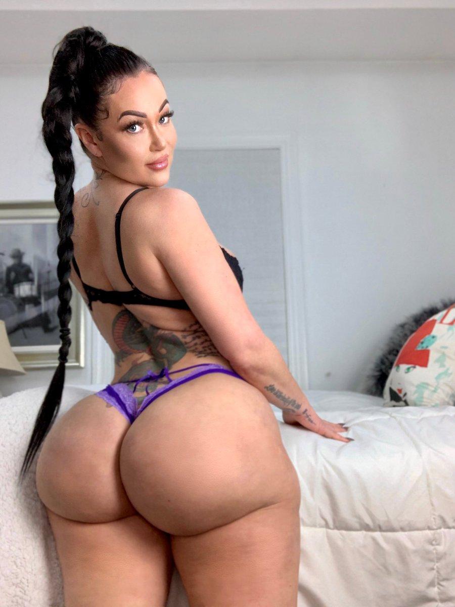 sexy naked brazilian butts