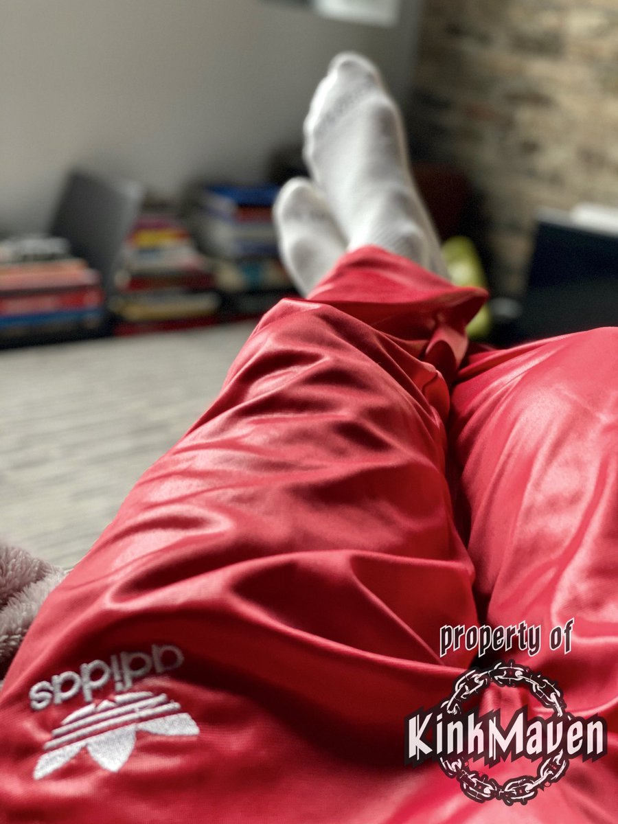sometimes it's nice to just relax in your #adidaschile62  <br>http://pic.twitter.com/SbJRgtiAtz