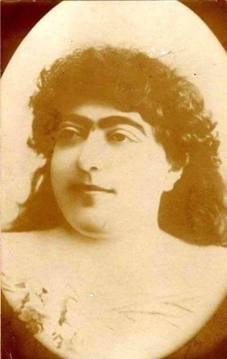 【悲報】生涯で145人にプロポーズされた19世期の美女がこちら