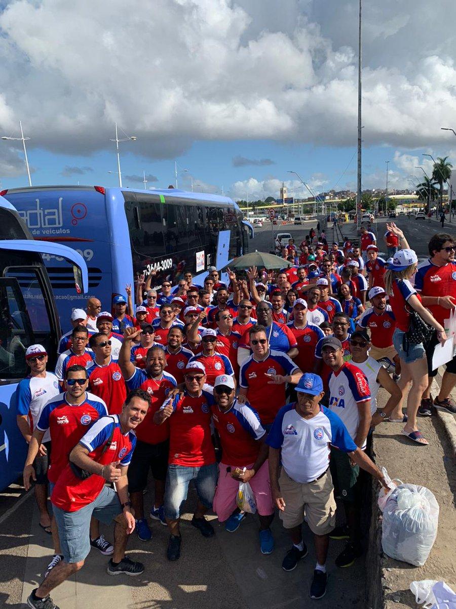 Cidade Tricolor, estamos chegando de galera, com muita vibração positiva para energizar nosso novo CT.  @ECBahia @indeptricolor  #NovoCT #CidadeTricolorpic.twitter.com/nUjGtpt63l