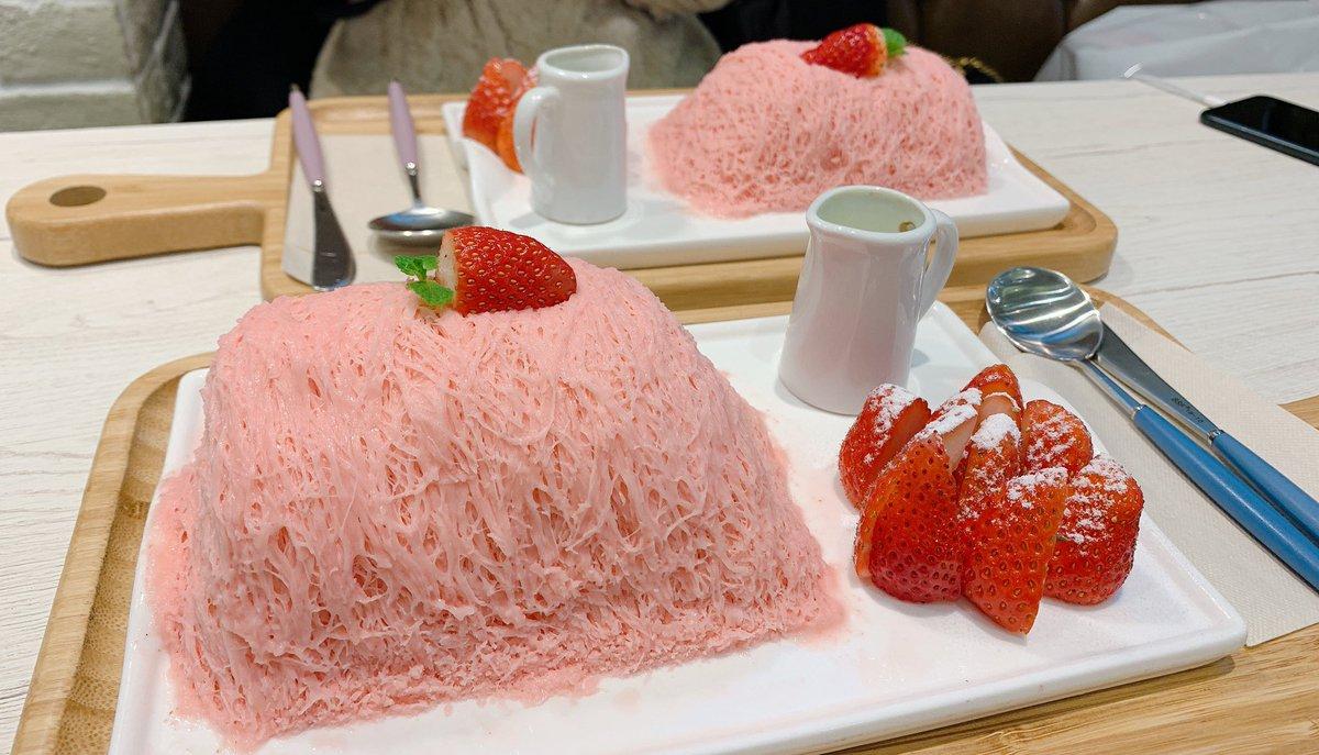 新大久保の【SeoulCafe】には全ての人間を虜にする禁断の糸かき氷がある。