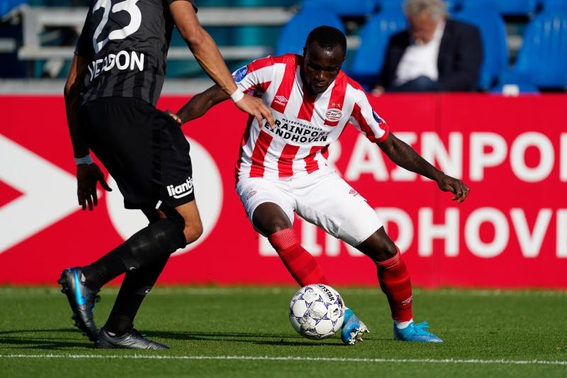 Doelpunt PSV! Na een voorzet van Boscagli zet Bruma PSV op gelijke hoogte 👏 34 #PSVKAS 1-1