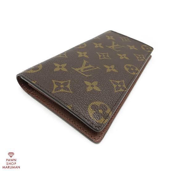落とした財布です中身にクレジットカードと免許証と現金1万7000円程入ってます武久らへんで落としました拾われた方、見つけられた方いられましたら警察署に届けてください。お願いします🙇♂️とても気に入ってる財布です拡散お願いします。