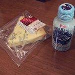 高確率で悪夢を見るという「スティルトンチーズ」vs睡眠の質を上げる「ネルノダ」