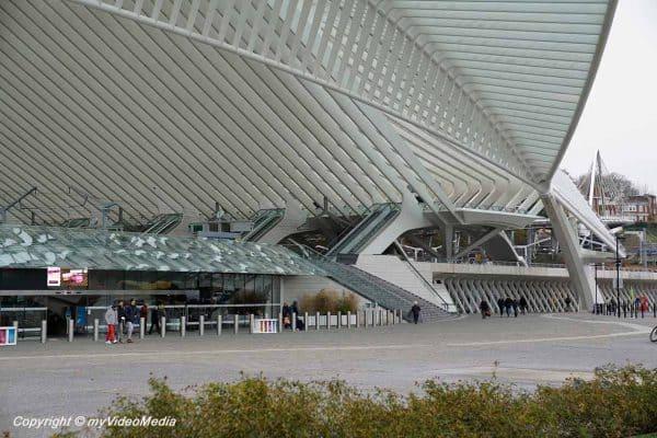 Liège-Guillemins Railway Station trbr.io/WxIFvu7 via @myVideoMedia