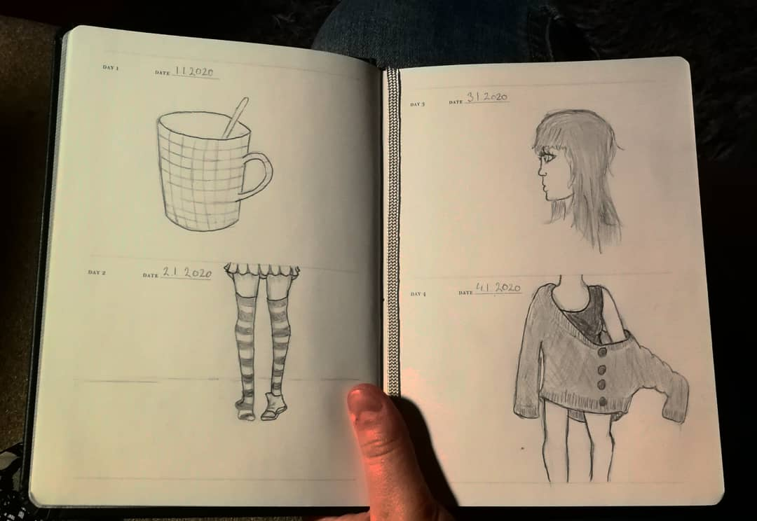 Im not good at drawing but here are my 4 first drawings in #onesketchaday book. You kinda can see when I had inspiration pic.twitter.com/4rUmWFnzOf